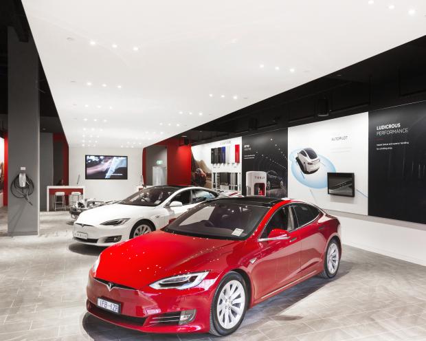 Tesla hat es nicht nötig...