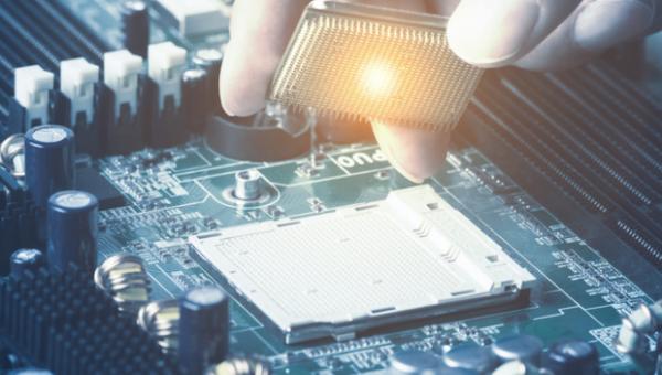Rally der Chip-Aktien: warum man Qualcomm (QCOM) und Micron (MU) unbedingt im Blick haben sollte!