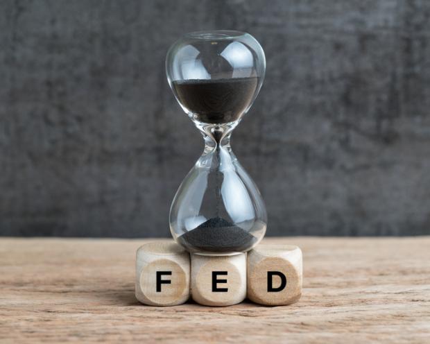Das Ende der Fed-Zinserhöhungen rückt näher: Welche Branchen im Anschluss daran traditionell gut und schlecht abschneiden
