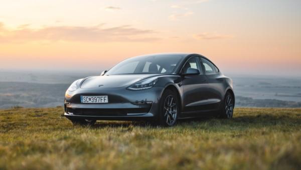 Tesla: Kursziel 7000 USD - Diese zwei Faktoren könnten den Kurs im September beflügeln!