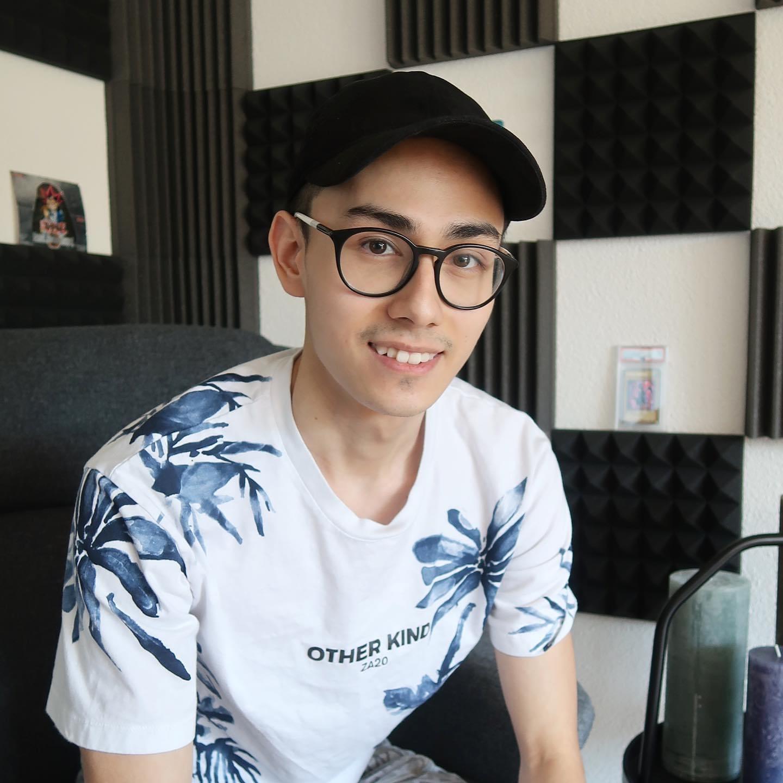 Thomas hat es geschafft. Mit 24 hatte er seine erste Million zusammen. Mit seinem Blog will er andere motivieren zu investieren.