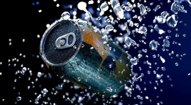 Der Aktienscreener: Dieser Energy-Drink Hersteller ist ein Top-Wachstumswert, den jeder Trader kennen sollte!