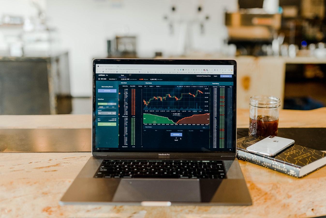Der Aktienscreener: Warum der größte Vermögensverwalter BlackRock absolute Qualitätsmerkmale aufweist?