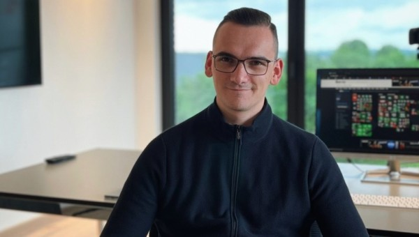 Maxime Rohde machte seine Leidenschaft, die Börse, zu seinem Beruf!