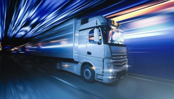 3 Unternehmen aus dem Trucking-Sektor mit Vollgas voraus