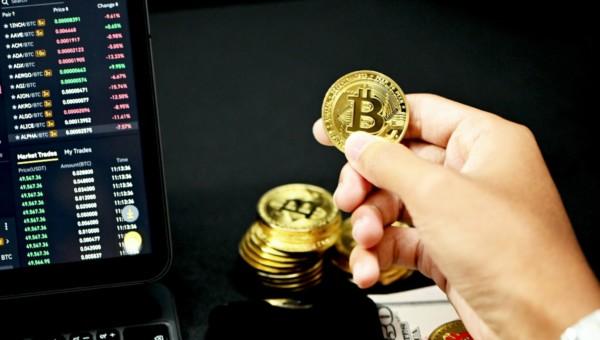4 Leader-Aktien aus dem Krypto-Markt, mit denen Trader von der nächsten Bitcoin-Rallye profitieren können